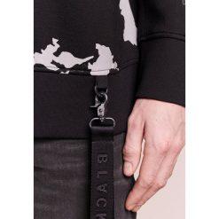 Neil Barrett BLACKBARRETT GLOBE PRINT Bluza black/silver reflective. Czarne bluzy męskie Neil Barrett BLACKBARRETT, m, z elastanu. W wyprzedaży za 392,70 zł.