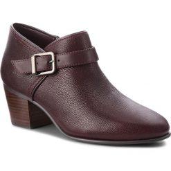 Półbuty CLARKS - Maypearl Milla 261361484 Aubergine Leather. Czerwone creepersy damskie Clarks, z materiału, eleganckie, na obcasie. Za 499,00 zł.