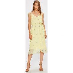Vero Moda - Sukienka. Szare sukienki na komunię marki Vero Moda, na co dzień, l, z materiału, casualowe, midi, rozkloszowane. W wyprzedaży za 139,90 zł.