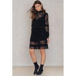 Sukienki hiszpanki: RAVN Sukienka Vanilla – Black