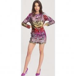 Wielokolorowa Sukienka This Cherries. Szare długie sukienki other, uniwersalny, z dzianiny, z okrągłym kołnierzem, z długim rękawem, dopasowane. Za 169,99 zł.