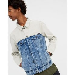 Jeansowa kurtka z kolorowymi panelami. Szare kurtki męskie bomber Pull&Bear, m, w kolorowe wzory, z jeansu. Za 139,00 zł.