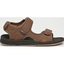 New Balance - Sandały. Brązowe sandały męskie skórzane marki New Balance. W wyprzedaży za 139,90 zł.
