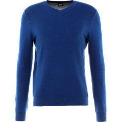 Swetry klasyczne męskie: BOSS CASUAL AMHUSOS Sweter blau