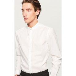 Koszula ze stójką slim fit - Biały. Białe koszule męskie na spinki marki Reserved, l. Za 119,99 zł.