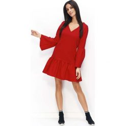 Czerwona Sukienka z Falbanką na Dole i Poszerzonymi Rękawami. Czerwone sukienki na komunię Molly.pl, do pracy, l, z materiału, biznesowe, z falbankami, midi, rozkloszowane. Za 114,90 zł.