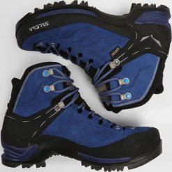 Salewa MTN TRAINER MID GTX Buty trekkingowe marlin/alloy. Białe buty zimowe damskie marki Nike Performance, z materiału, na golfa. W wyprzedaży za 789,65 zł.
