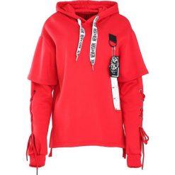 Czerwona Bluza Another Life. Czerwone bluzy męskie rozpinane Born2be, na jesień, m. Za 89,99 zł.