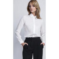 Bielizna damska: Ecru Klasyczna Koszula Damska z Krytym Zapięciem