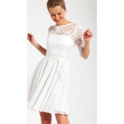 Swing Sukienka koktajlowa creme. Białe sukienki koktajlowe marki Swing, z materiału. Za 599,00 zł.
