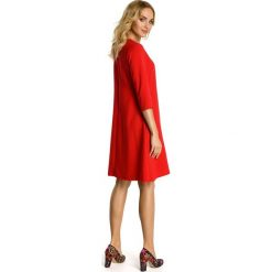 EMELINE Sukienka z kontrafałdą pod biustem - czerwona. Czerwone sukienki balowe Moe, rozkloszowane. Za 111,00 zł.