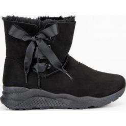 STYLOWE ŚNIEGOWCE Z FUTERKIEM. Czerwone buty zimowe damskie LEMAX. Za 89,90 zł.