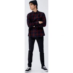 Czarne jeansy super skinny. Czarne jeansy męskie skinny marki Pull&Bear, m. Za 89,90 zł.
