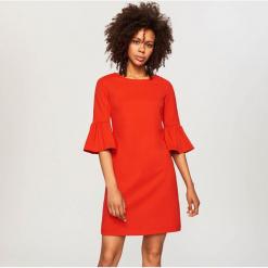 Sukienka z rękawami 3/4 - Czerwony. Czerwone sukienki z falbanami Reserved, l. Za 89,99 zł.