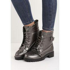 Szare Botki Stylish. Czerwone buty zimowe damskie marki Reserved, na niskim obcasie. Za 99,99 zł.