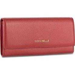 Duży Portfel Damski COCCINELLE - BW5 Metallic Soft E2 BW5 11 03 01 Coquelicot 209. Czerwone portfele damskie marki Coccinelle, ze skóry. W wyprzedaży za 419,00 zł.