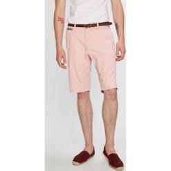 Tom Tailor Denim - Szorty. Czerwone szorty męskie marki Cropp. W wyprzedaży za 149,90 zł.