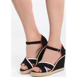 Czarne Sandały Enough Rests. Czarne sandały damskie marki Born2be, z materiału, na koturnie. Za 79,99 zł.