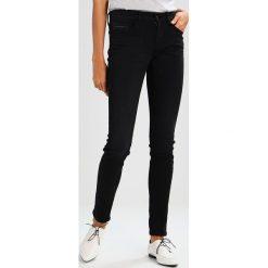 Calvin Klein Jeans MID RISE SKINNY Jeans Skinny Fit night rider. Niebieskie jeansy damskie Calvin Klein Jeans, z bawełny. W wyprzedaży za 404,10 zł.