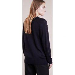 Swetry klasyczne damskie: Reiss LEIGH Sweter night navy