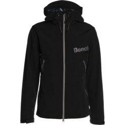 Bench Kurtka snowboardowa black beauty. Czarne kurtki narciarskie męskie marki Bench, m, z elastanu. W wyprzedaży za 356,30 zł.