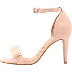 Rzymianki damskie: Head over Heels by Dune MUSE Sandały na obcasie blush