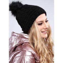 Czarna czapka damska zimowa C10. Czarne czapki damskie Fasardi, na zimę. Za 39,00 zł.