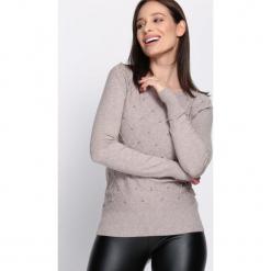 Beżowy Sweter Distant. Brązowe swetry klasyczne damskie Born2be, l, z okrągłym kołnierzem. Za 49,99 zł.