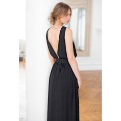 Długie sukienki: Długa sukienka z dekoltem z tyłu