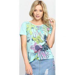 Bluzki damskie: Miętowy T-shirt Colourful Grafitti