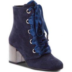 Buty zimowe damskie: Botki BALDOWSKI – W00534-4264-002 Zamsz Granat Top Blue