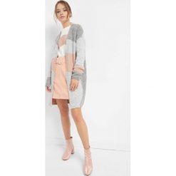 Swetry damskie: Sweter z geometrycznym wzorem