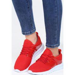 Czerwone Buty Sportowe Stories. Czerwone buty sportowe damskie marki KALENJI, z gumy. Za 69,99 zł.