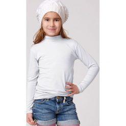 Dziecięca bluzka bawełniana ze stójką Jadea. Białe bluzki dziewczęce bawełniane marki Reserved, l. Za 23,38 zł.