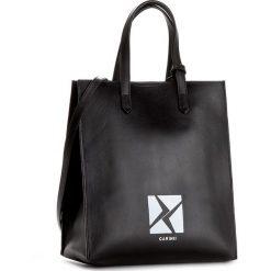 Torebka CARINII - Crn 777-165-000-000 Gwiazdka. Czarne torebki klasyczne damskie Carinii. W wyprzedaży za 499,00 zł.
