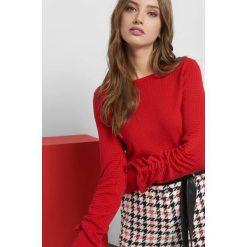 Sweter z fakturą i wiązaniem. Brązowe swetry klasyczne damskie marki Orsay, s, z dzianiny. Za 79,99 zł.
