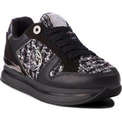 Sneakersy GUESS - FLDA64 FAP12 BLKWH. Czarne sneakersy damskie Guess, z materiału. Za 439,00 zł.