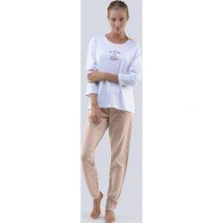 Damska piżama All You Need is Love biała. Białe piżamy damskie Astratex, z napisami, z bawełny. Za 103,99 zł.