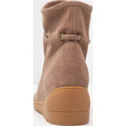 Botki damskie lity: Shoe The Bear LINE Botki na koturnie dark taupe