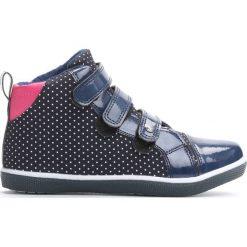 Granatowe Buty Sportowe In Front To Me. Niebieskie buty sportowe dziewczęce marki Born2be, z materiału, z okrągłym noskiem. Za 59,99 zł.