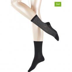 Podkolanówki (4 pary) w kolorze czarnym. Czarne podkolanówki marki Esprit. W wyprzedaży za 65,95 zł.