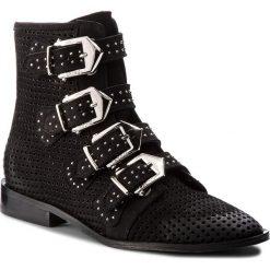 Botki CARINII - B4378 360-000-000-C65. Czarne buty zimowe damskie Carinii, z nubiku. W wyprzedaży za 319,00 zł.