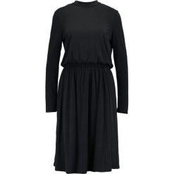 Sukienki hiszpanki: Vero Moda VMMETTI HIGH NECK  Sukienka z dżerseju black