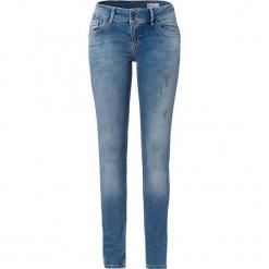 """Dżinsy """"Melinda"""" - Skinny fit - w kolorze błękitnym. Niebieskie rurki damskie marki Cross Jeans, z aplikacjami. W wyprzedaży za 136,95 zł."""