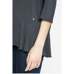 Mustang - Bluzka. Niebieskie bluzki z odkrytymi ramionami marki Mustang, z aplikacjami, z bawełny. W wyprzedaży za 99,90 zł.