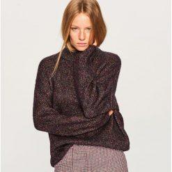 Swetry klasyczne damskie: Sweter z błyszczącym włóknem - Fioletowy