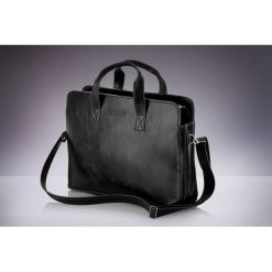 Klasyczna, czarna męska torba na ramię Solier. Czarne torby na ramię męskie Solier, w paski, z materiału. Za 119,90 zł.