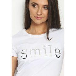 T-shirty damskie: Biały T-shirt Besmile