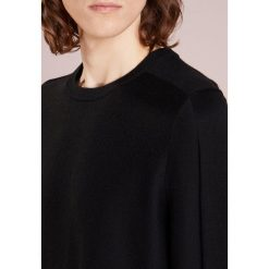 DRYKORN YUMA Sweter black. Czarne swetry klasyczne męskie DRYKORN, m, z materiału. Za 509,00 zł.