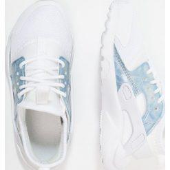 Nike Sportswear HUARACHE RUN ULTRA (PS) Tenisówki i Trampki white/royal tint. Białe tenisówki męskie Nike Sportswear, z materiału. Za 359,00 zł.